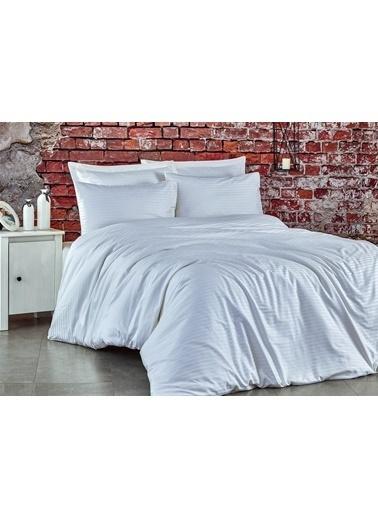 Komfort Home Battal Boy Çizgili Pamuk Saten Nevresim Takımı Beyaz